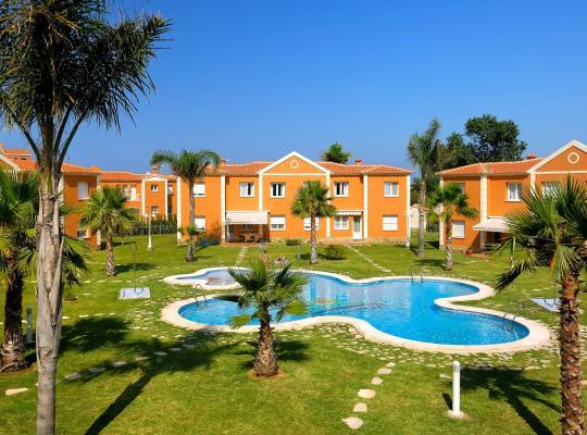 Hotel foto 's: Apartamentos y Villas Oliva Nova Golf Resort