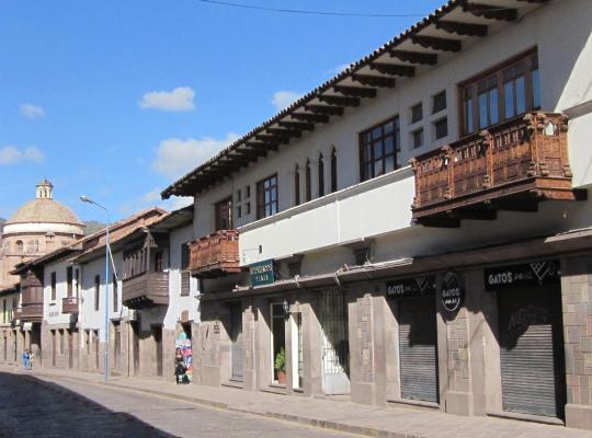 Хотел снимки: Emperador Plaza
