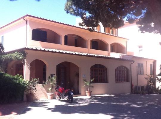 Φωτογραφίες του ξενοδοχείου: Hotel Gabbiano Azzurro