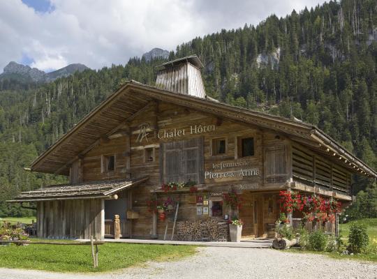 รูปภาพจากโรงแรม: Hotel The Originals Les Fermes de Pierre & Anna (ex Hôtel-Chalet de Tradition)