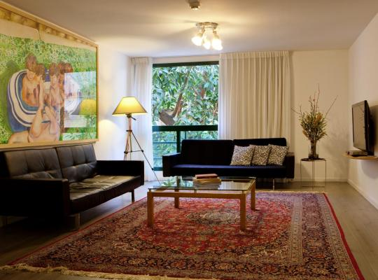 Фотографії готелю: The Diaghilev Live Art Suites Hotel