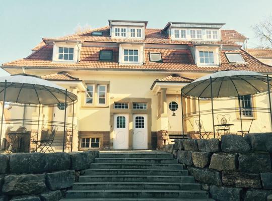 Hotel photos: Gasthaus Loewenthor & Hotel Hahn