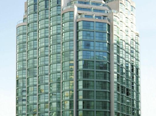 תמונות מלון: Rosedale on Robson Suite Hotel
