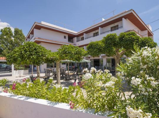 Хотел снимки: Hotel Bahia Playa