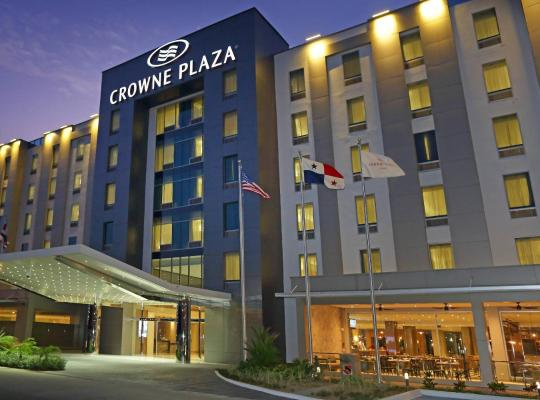Hotel photos: Crowne Plaza Airport