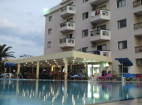 Photos de l'hôtel: Livas Hotel Apartments