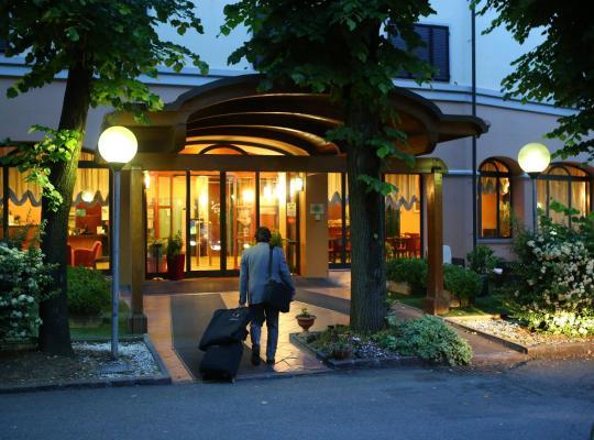 Otel fotoğrafları: Hotel Le Ville
