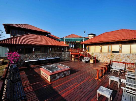 Hotel photos: Crest Villa Mansion