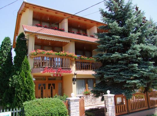 Фотографии гостиницы: Júlia Panzió