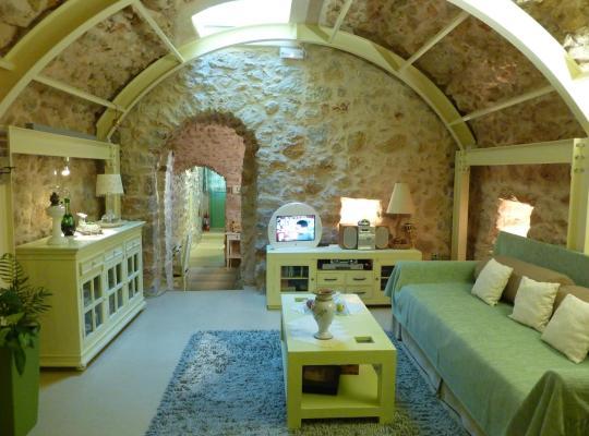 תמונות מלון: St. George Sykoussis Traditional Residence