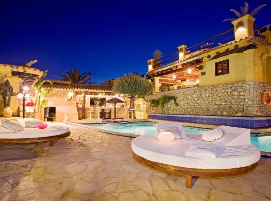 Хотел снимки: Pikes Ibiza