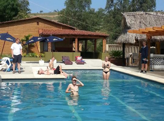 Φωτογραφίες του ξενοδοχείου: Villada Inn