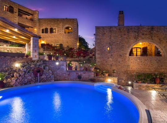 Hotel Valokuvat: Samonas Traditional Villas