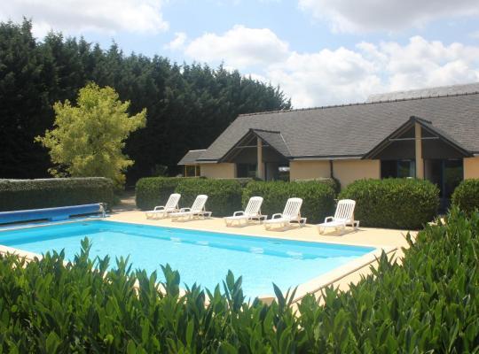 酒店照片: Les Dineux Village