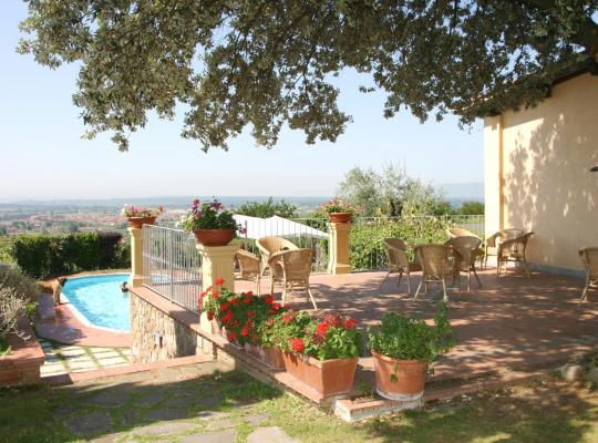Fotos de Hotel: Agriturismo - Collina Toscana Resort