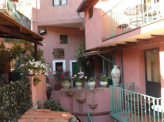 Fotos do Hotel: Albergo Diffuso Borgo Santa Caterina