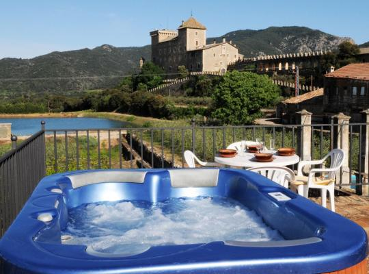 Фотографії готелю: Castell de Riudabella