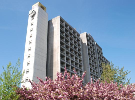 Hotel fotografií: Intourist-Zakarpatye Hotel