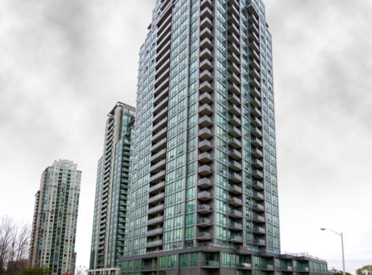 รูปภาพจากโรงแรม: Whitehall Suites - Mississauga Furnished Apartments