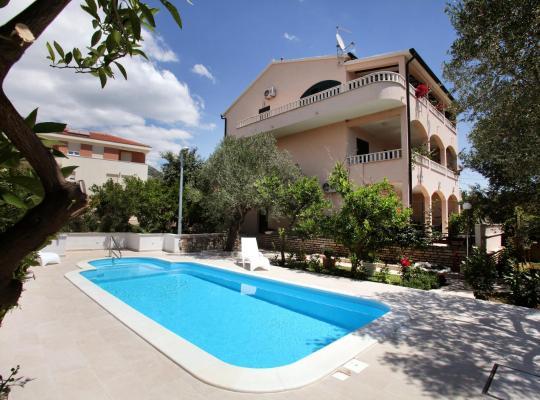 Otel fotoğrafları: Villa Sun