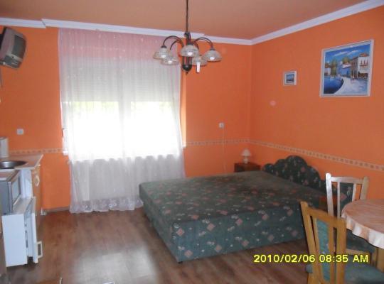 Hotel bilder: Emese Apartman