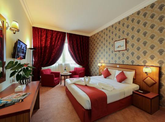 Фотографії готелю: Jonrad Hotel