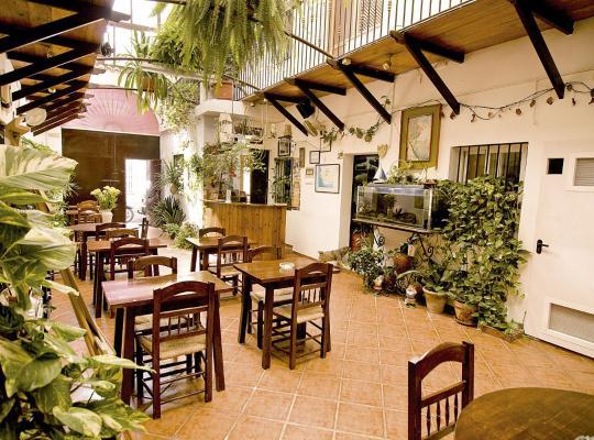 Ảnh khách sạn: Hostal Cristina