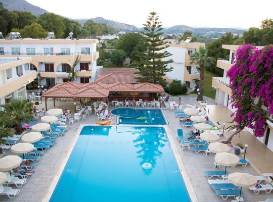 Otel fotoğrafları: Marathon Hotel
