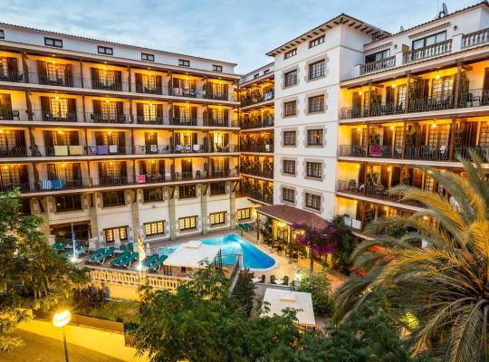 Хотел снимки: Hotel La Carolina