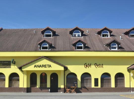 Hotel photos: Penzion Anareta