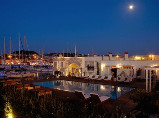 Hotel fotografií: Cesme Marina Konukevi