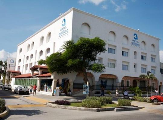 Képek: Hotel Antillano