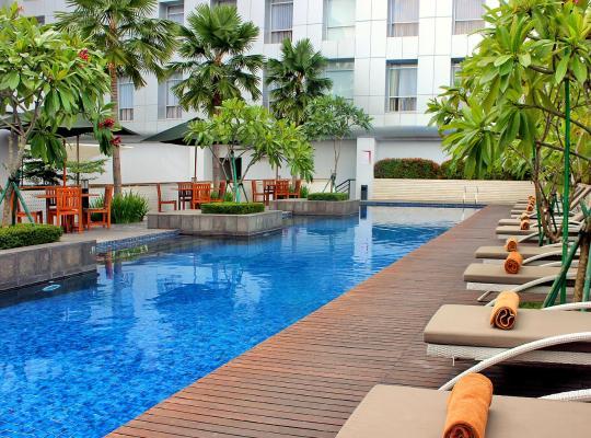 Хотел снимки: Santika Premiere Dyandra Hotel & Convention - Medan