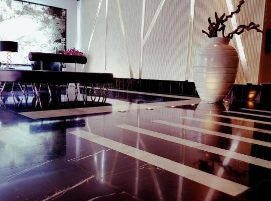 Otel fotoğrafları: Crystal Hotel