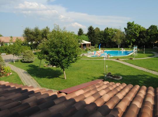 Хотел снимки: Villa Matilde