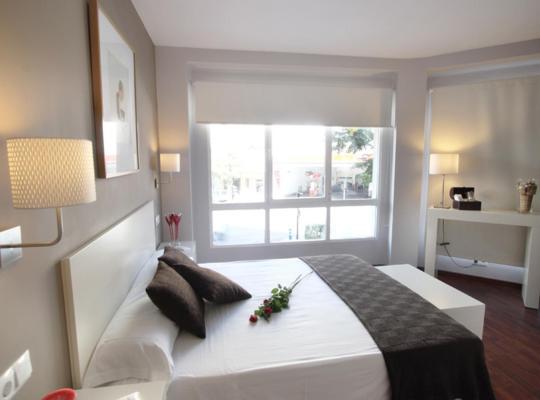 Фотографии гостиницы: Dormavalencia Hostel Regne