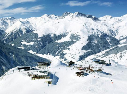 ホテルの写真: Ski-und Bergchalet Penkenjoch Zillertal