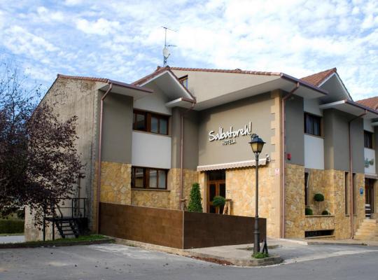 Fotos de Hotel: Hotel Salbatoreh