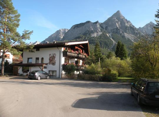 Hotel photos: Tyrol Appartements