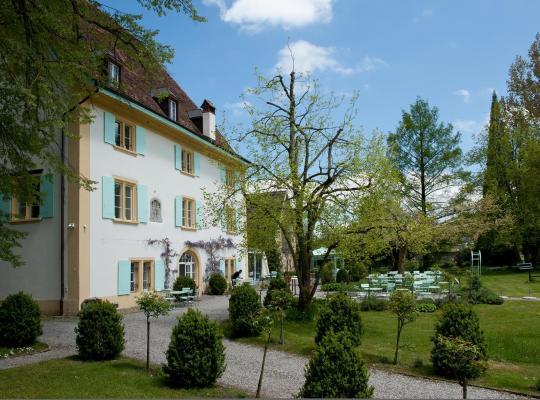 ホテルの写真: Schloss Überstorf