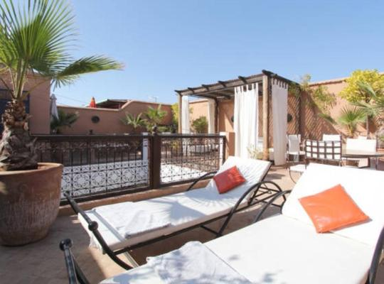 होटल तस्वीरें: Riad 107