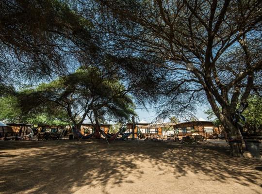Otel fotoğrafları: Shkedi's Camplodge