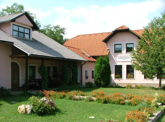 Hotel fotografií: Tourist Farm Pri Martinovih