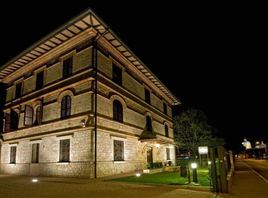 Φωτογραφίες του ξενοδοχείου: Villa Raffaello Park Hotel