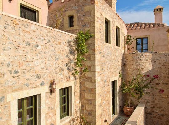 תמונות מלון: Moni Emvasis Luxury Suites