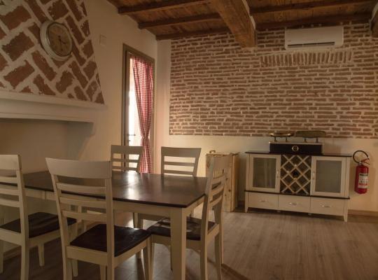 Fotos do Hotel: Agriturismo Ferrara Chalet