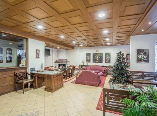 Otel fotoğrafları: Apartments Lappas