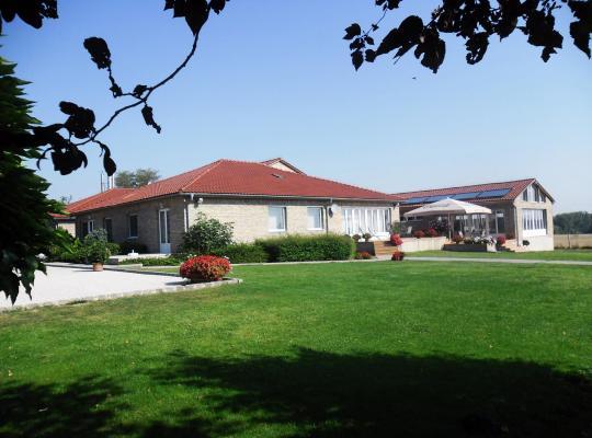 Fotos de Hotel: Pálmajor Pihenöpark és Rendezvényközpont