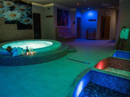 รูปภาพจากโรงแรม: Sojka Resort - Hotel & Drevenice