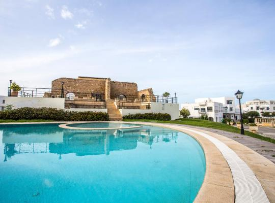 Foto dell'hotel: Golden Tulip Carthage Residences